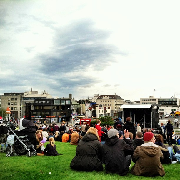 Icelandic national day concerts in the park #iceland #latergram